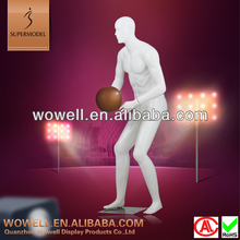 Top quality fiberglass playing basketball male sports mannequin