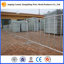 silver painted heavy welded barricade cover racing road site crowd control barrier