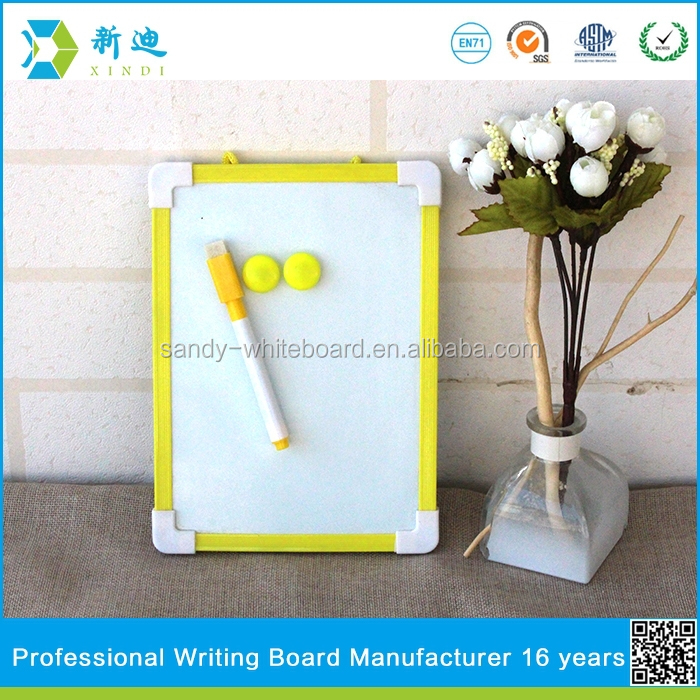 Lanxi xindi New children mini magnetic yellow frame drawing board christmas whiteboard