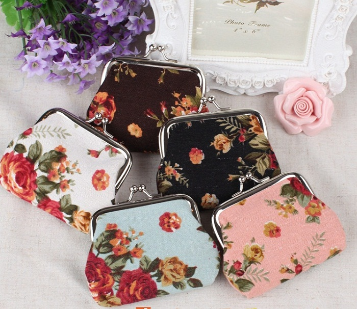 Wholesale fashion Chinoiserie ditsy floral printing clip closure small lady unique coin purse