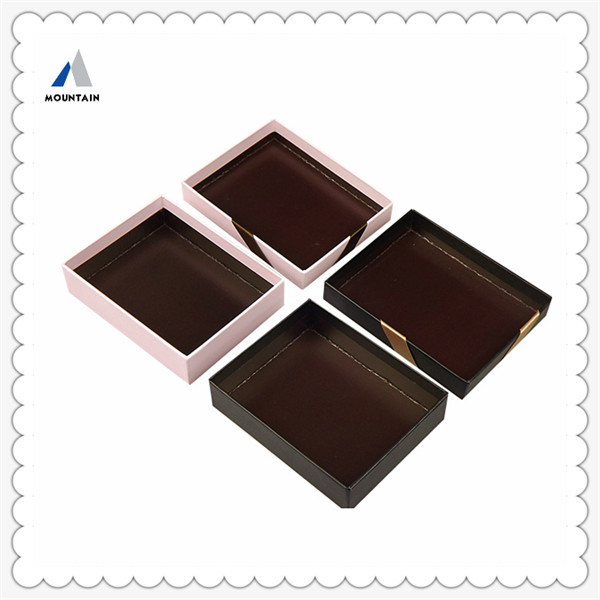 kinds Numerous Chocolate Popular cardboard paper candy/chocolate/cake packing box with handle and clear window