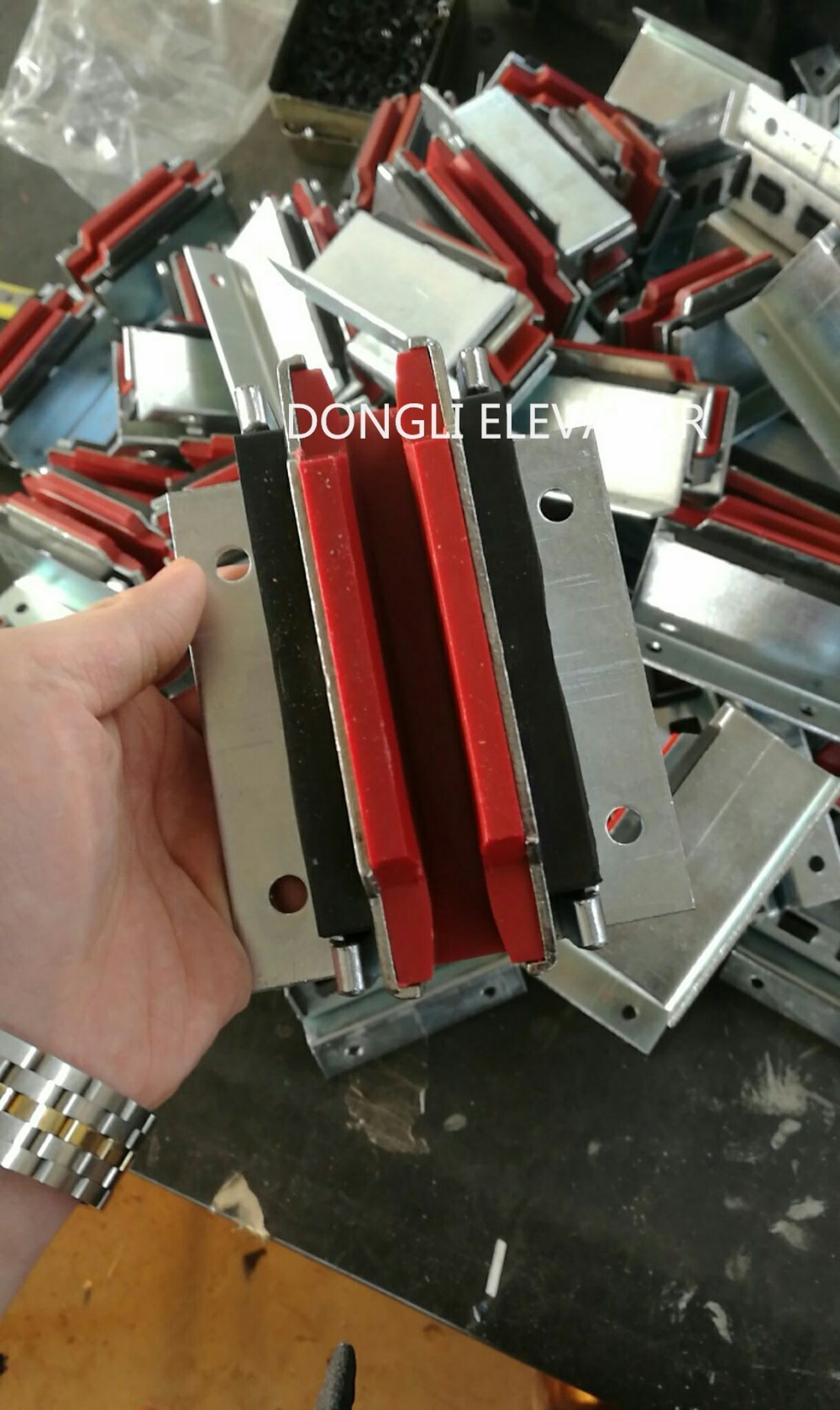 Machining Hollow wave guide shoe of elevator guide shoe liner 8k/13k