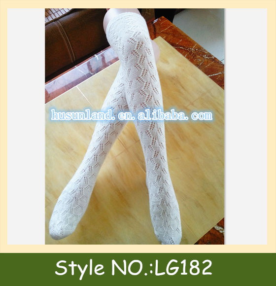 LG182 cable knit knee high socks