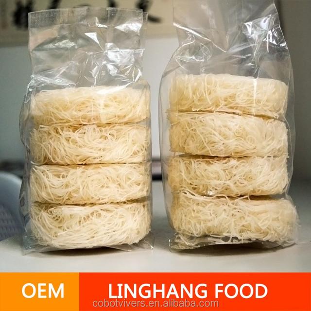 halal egg noodle / instant ramen noodle / dried egg powder