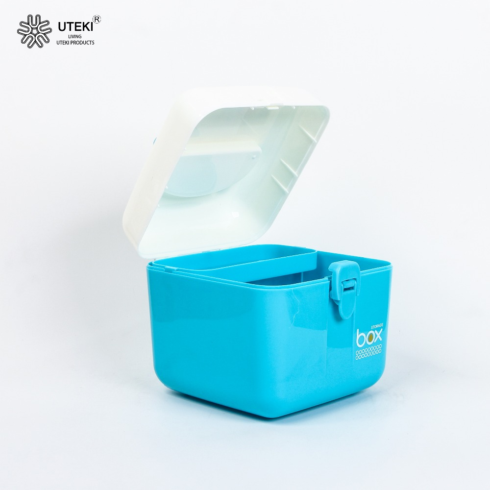 Wholesale good quality plastic cosmetics storage case with handle