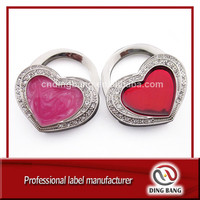 OEM Gifts & Crafts Factory Custom Made Cloud Glue Process Lady & Girls Use Fashional Souvenir Pink /Red Heart Bag Hanger