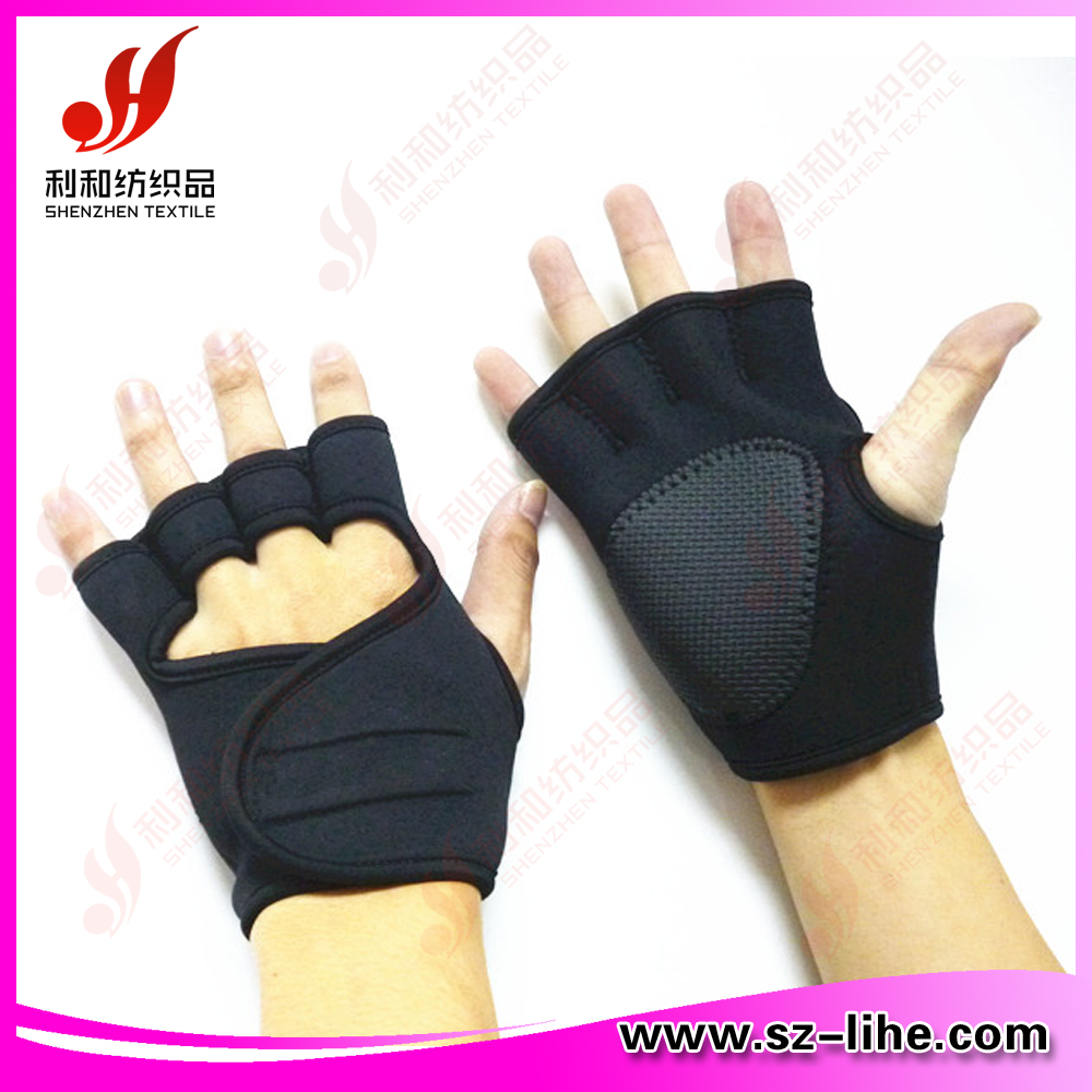 black neoprene anti-skidding glove with silicone