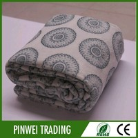 2015 hot sales 100% polyester anti static franc franc blanket in production line