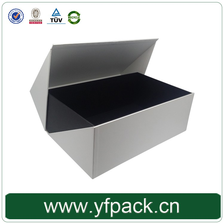 Handmade luxury gold foil stamped cardboard packaging boxes custom made cheap paper box for clothing