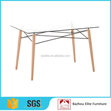 2016 wooden legs centre glass dining table