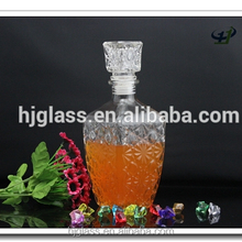Unique shaped whiskey glass container 750ml liquor glass decanter with seal stopper