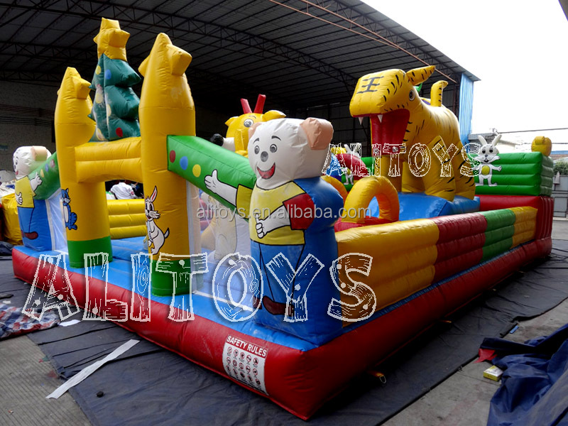 Top quality kids and adult giant inflatable fun city amusement part