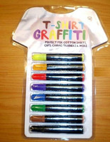 T-Shirt and magic many colors of the mark pen