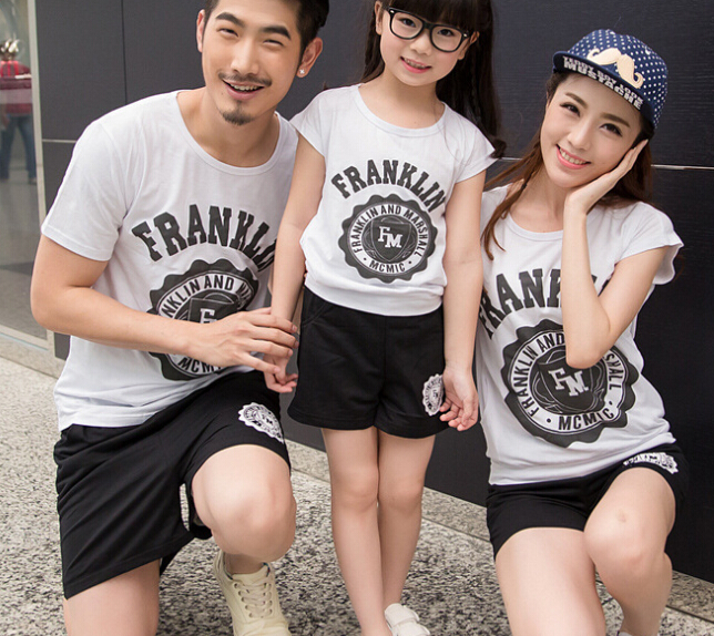 S12557A Father Mother and Daughter T-shirt + Shorts Sets Family Clothing