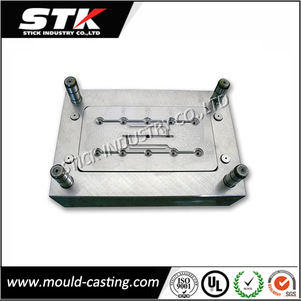 China professional plastic injection mould injection tooling