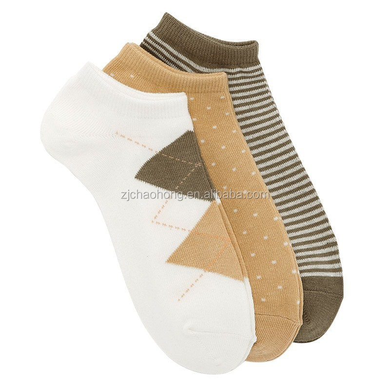 Wholesale women pinted cotton sneaker socks