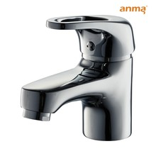 classic zamak handle brass faucet in basin and toilet