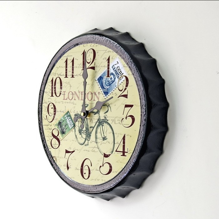 China factory Vintage European Beer Bottle Cap Decoration Metal Wall Clock