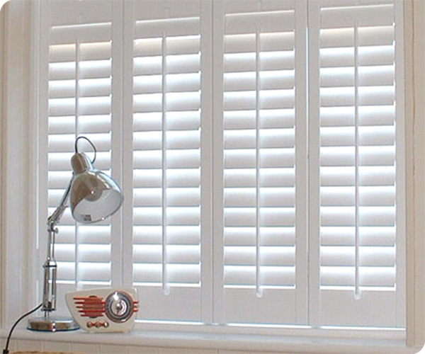 Louvered Aluminum Storm Shutters with Bar Latch/interior aluminum shutters