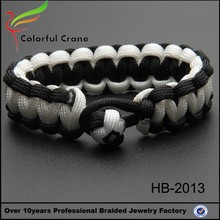 Braided paracord white black color fashion bracelet adjustive clasp
