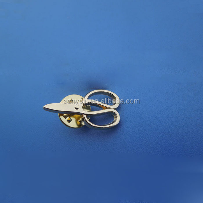 gold tone scissors badge emblem lapel pin brooch insignia