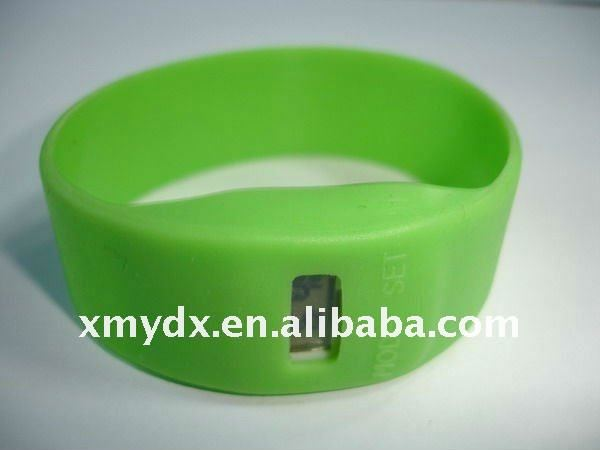 2011 New Silicone bracelet digital watch YDX