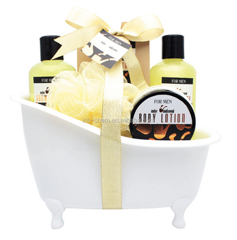 Natural Men's bath gift set amber and sandllawood perfumed shower gel bubble bath body lotion body scrub