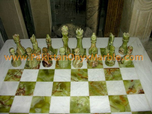 onyx-chess-boards-set-checkers-red-onyx-green-onyx-white-onyx-figures-22.jpg