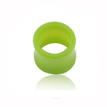 Light weight acrylic friendly green tunnel wholesale fashion ear tunnel plugs