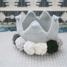 Direct-factory Selling 100% Acrylic Crochet Crown Hat With Balls Decoration Knit Baby Princess Pattern Photo Prop Hat