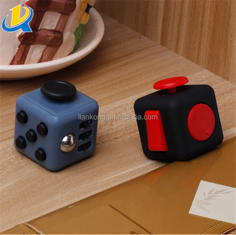 Hot sale Christmas gift 3.3cm desk toy plastic in stock fidget cube