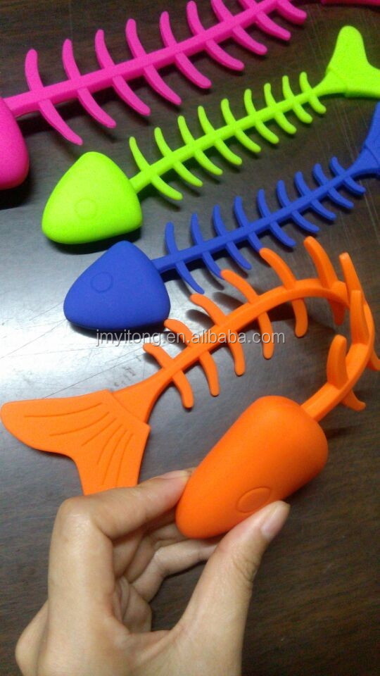 Good selling high quality & competitive price silicone pet chew toy