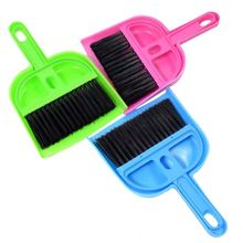 RoblionPet Hot sale pet cleaning brush Soft Plastic mini pet cleaning brush sets with dustpan