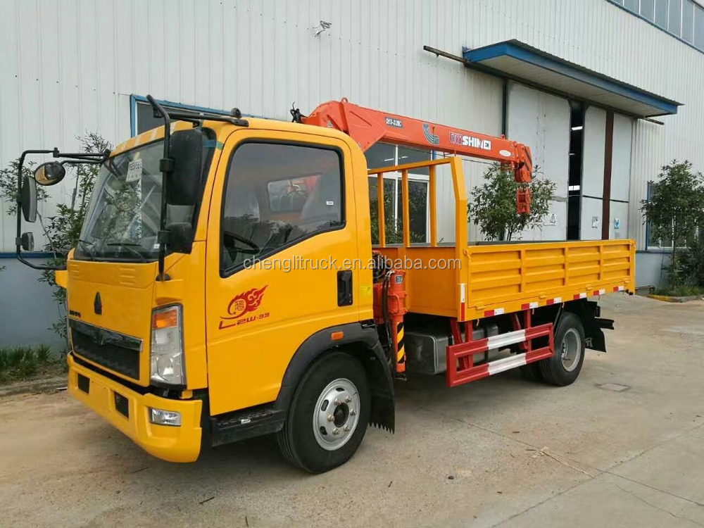 SINOTRUK HOWO 4*2 140HP CARGO TRUCK WITH 4T MOUNTED CRANE