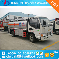 10CBM Capacity Fuel Tank Truck Dongfeng 4x2 Oil Tanker Truck for Sale