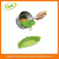 Smart snap design silicone pot strainer