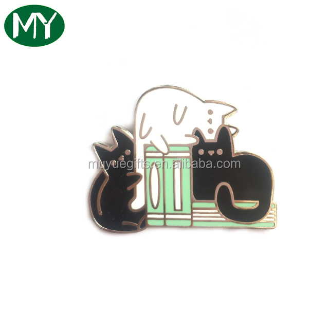 New products 2018 crafts gifts custom super cute  lovely pet soft&hard enamel lapel pin badge