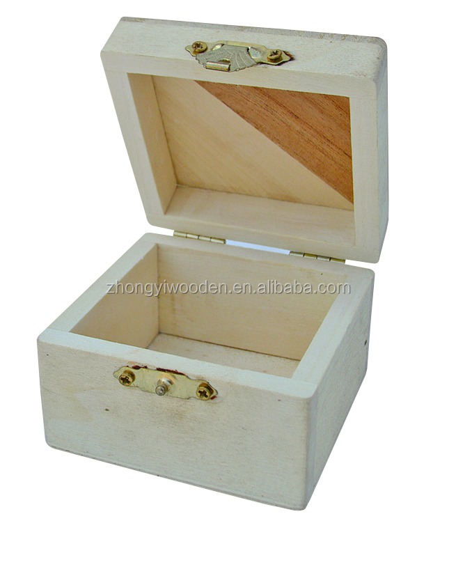 2016 year FSC&SA8000 OEM fancy christmas crafts decorating wooden small jewelery box for storage