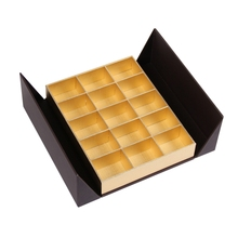Custom fancy paper luxury chocolate packing box for wedding invitation with divider