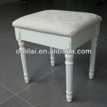 European comfortable make up bench