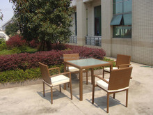 Great Nice Garden Chair And Table For Courtyard Life