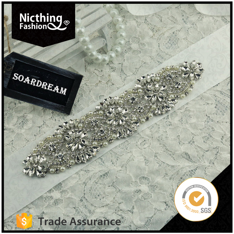 Elegant design blingbling fashion crystal rhinestone applique for bridal decoration NRA010
