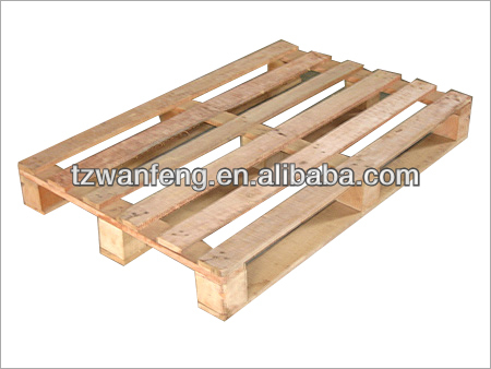 Alternative material wood composite block-style pallet wood pallet shredding
