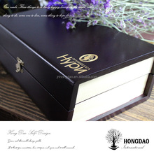 HONGDAO wood microphone box,solid wood watch box with hot printed logo