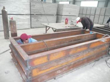 Polishing (Light Weight Wall Panel Mould)