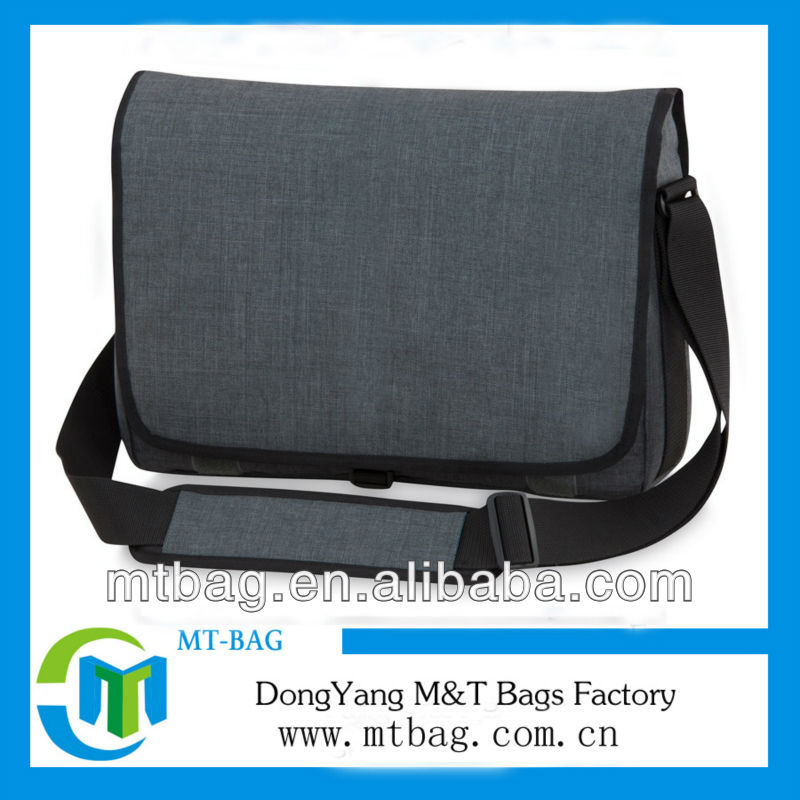Durable 600D brand name plain high quality messenger bags men