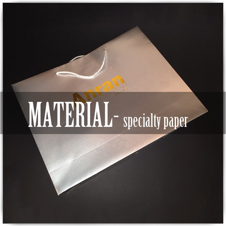 Material Specialty Paper Bag With Luxury Fashion Design