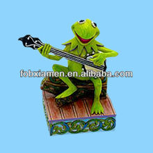 Funny frog playing guitar statue wholesale