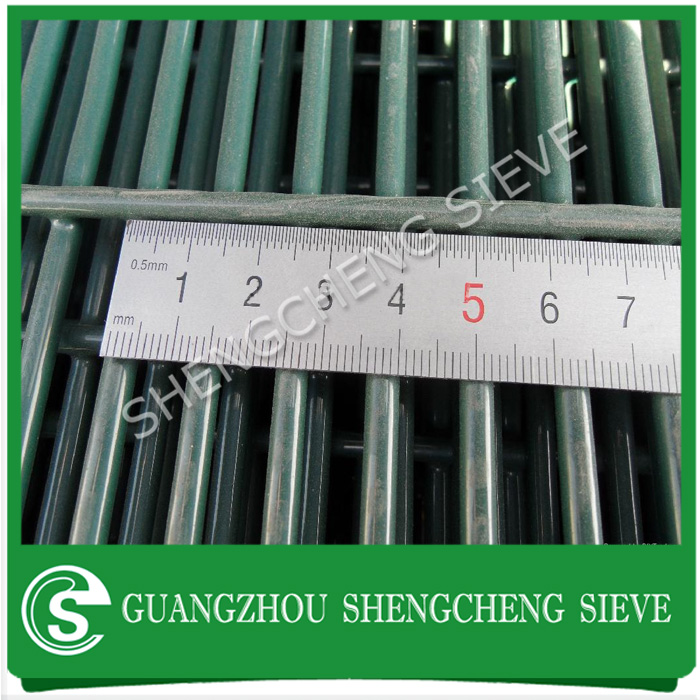 Welded strength heavy galvanized steel powder coated 358 wire mesh fence gates