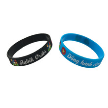 debossed color silicone Wristbands factory promotional Bulk price offer for rainbow color bangle rubber bands